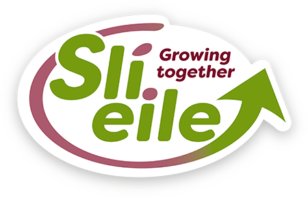 Sli Eile Growing Together Logo